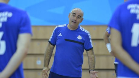 Juan Carlos Pastor, entrenando al Pick Szeged.Foto: Frank Yvette